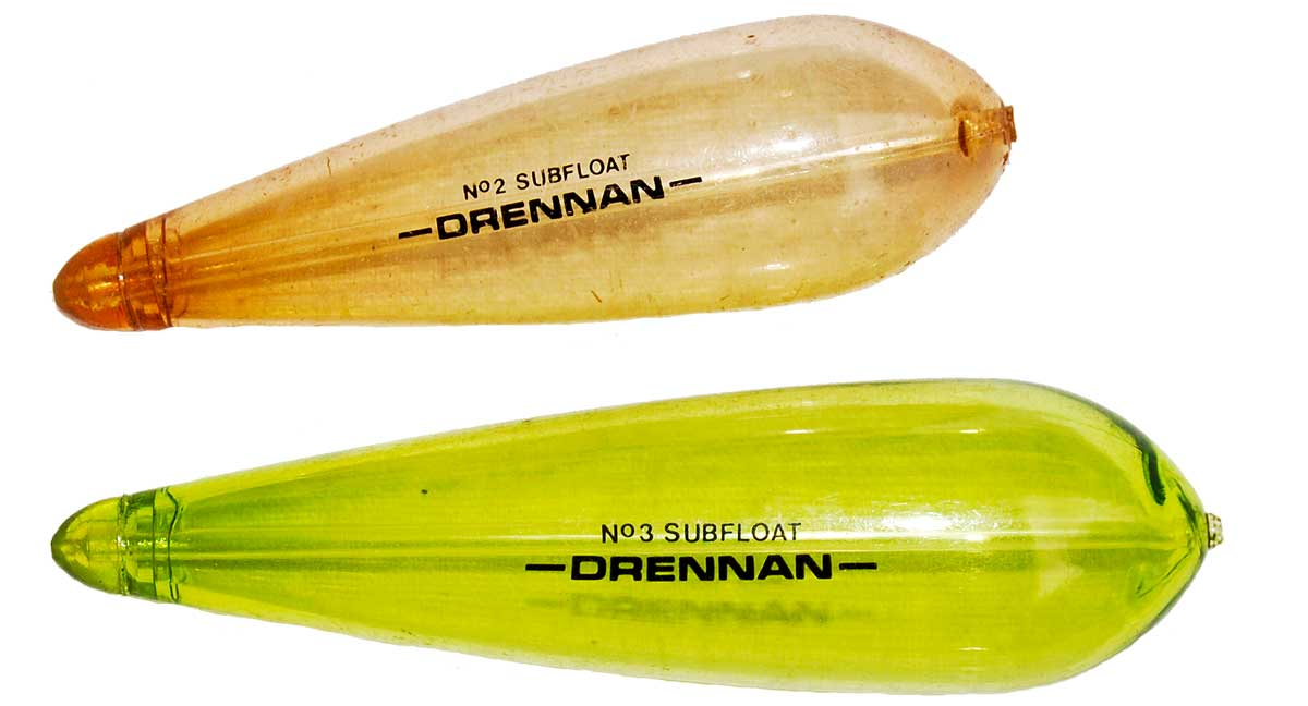 Im Grunde taugt jeder Hechtschwimmer ohne bunte Spitze als Unterwasserpose, hier durchsichtige Modelle von Drennan.
