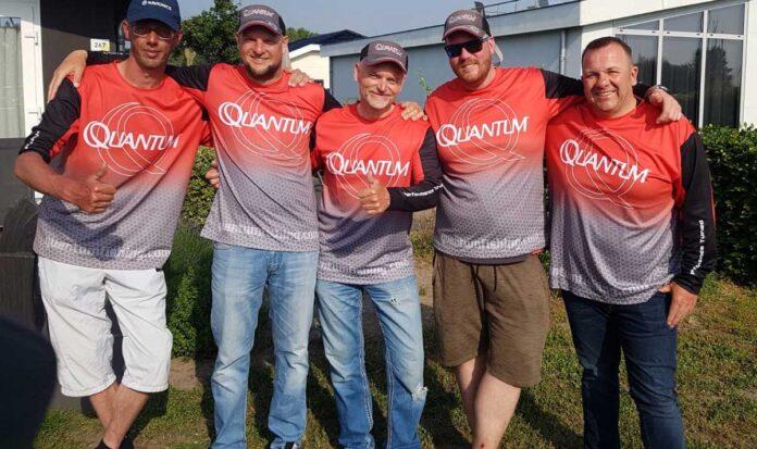Die Quantum-Angler (von links): Michael Lück, Daniel Katzoreck, Dietmar Isaiasch, Timo Kleinekemper, Rocco Udewenz.